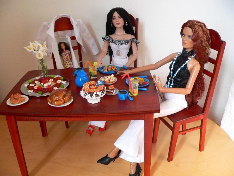 Stůl a židle pro panenky