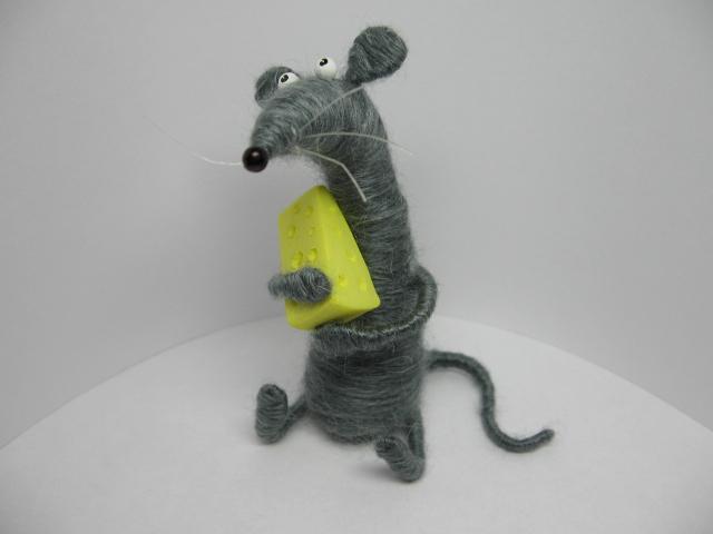 Krysa z nitek