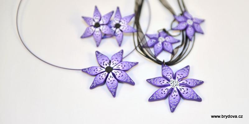 Fialový FIMO květ