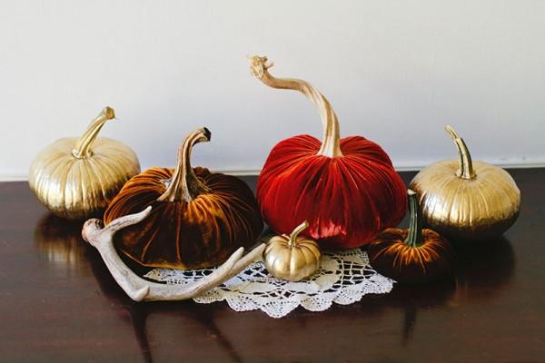 velvet-pumpkins-diy